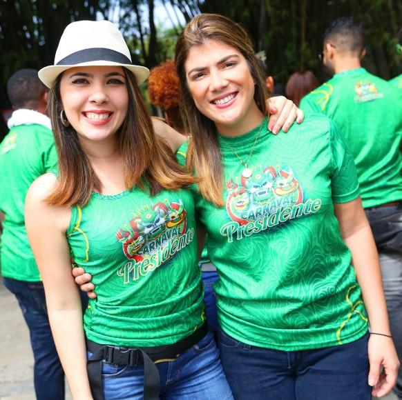 1 Stephanie Gutiérrez y Luciany Peña