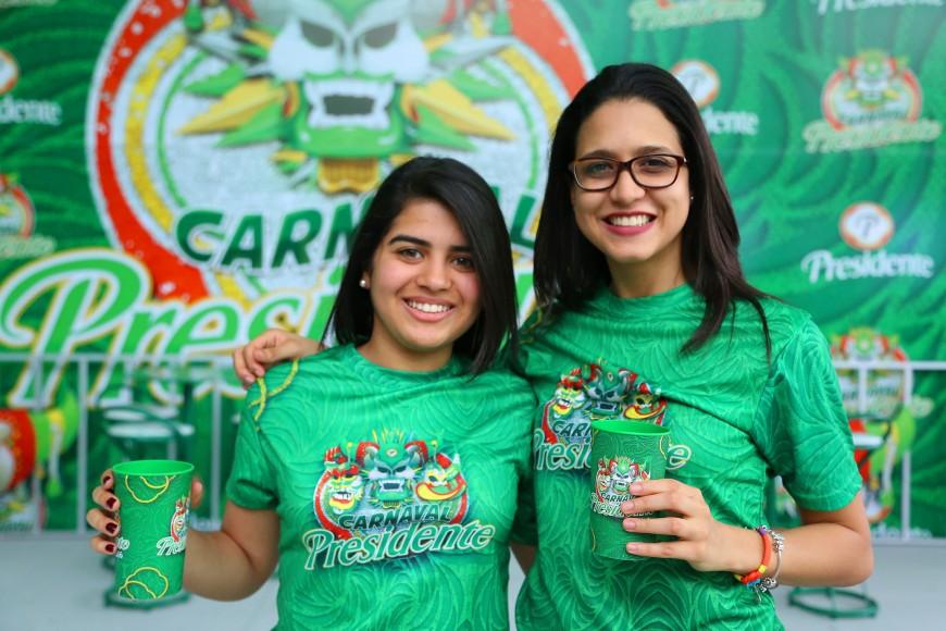 10.-Arantxa Morel y Leticia Vilchez.