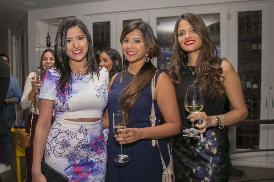 16 Maria Pérez, Carolina Pérez, Astrid Feliciano