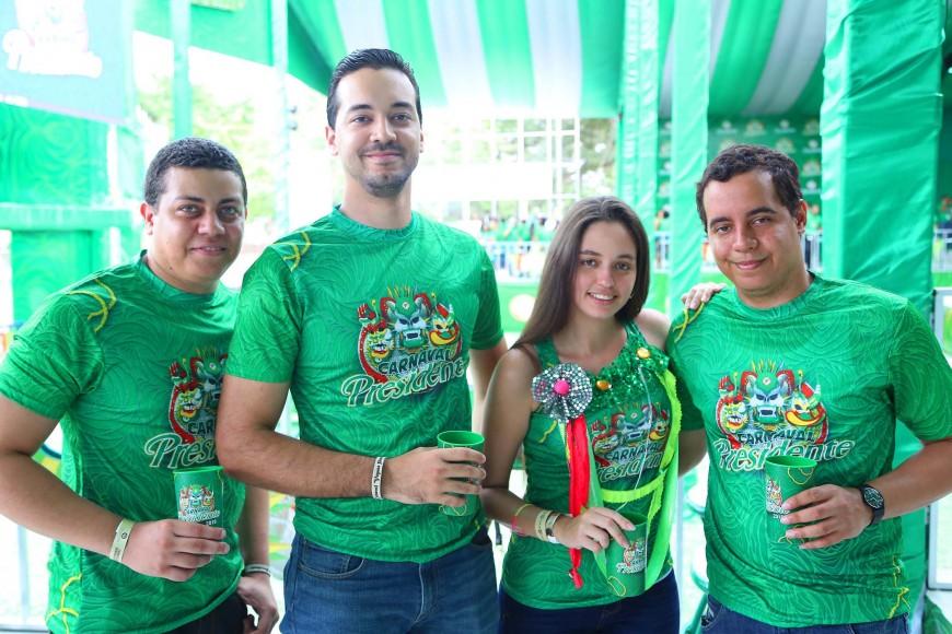 20.-Joel Encarnación, Oliver López, Nadia Polanco y Carlos Cabrera.