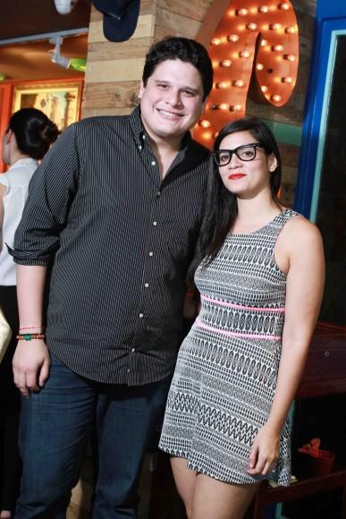4-Jean Villanueva y Stephanie Gerardino