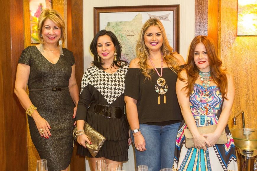 IMG_5058 Evelyn Chamah, Sandy Pou de Fernández, Carolina Saladín y Helen de Brache