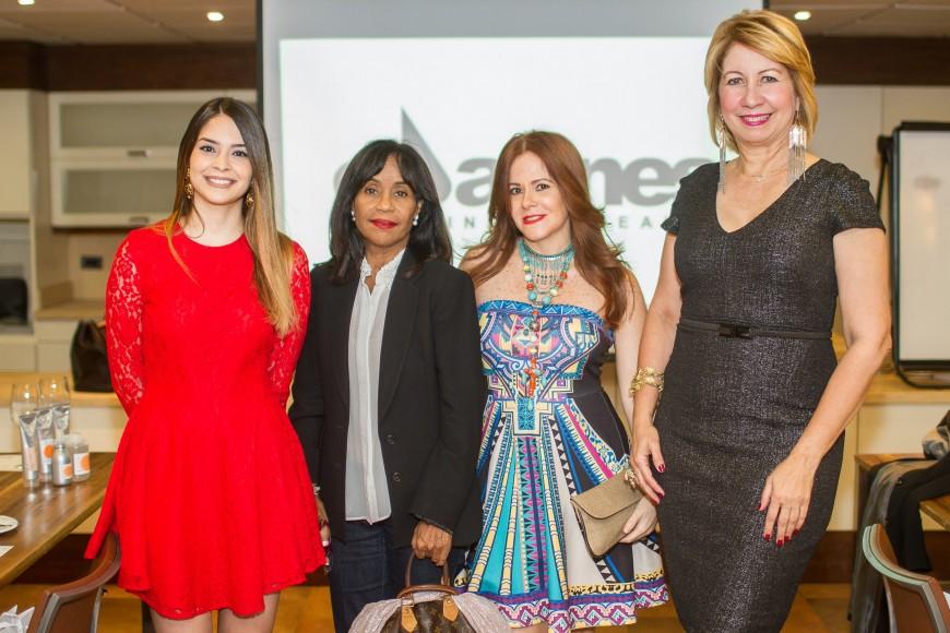 Rosario del Castillo, Jeannie Alfonso, Helen Andujar de Brache, Evelyn Chamah.