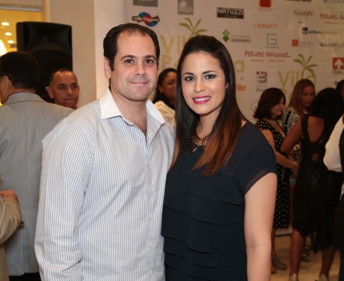 19 Enrique García y Priscila Hernández