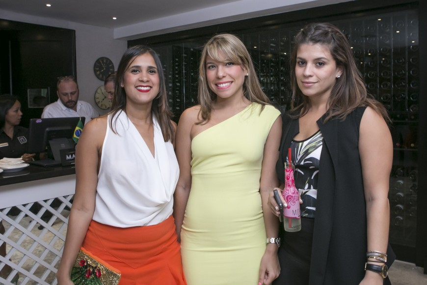 Crsital Garcia,Vicmary Cruz y Carolina Llerandi
