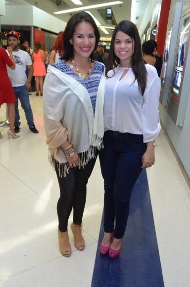 Nikary Mantero, Paola Sanchez