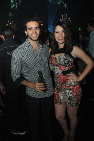 21 Jean Maluf y Estefany Gutierrez