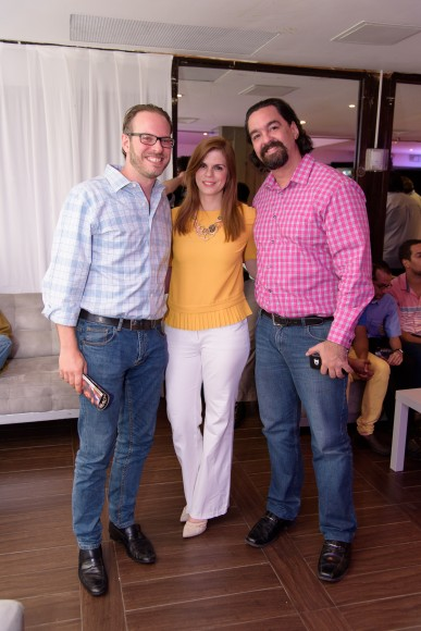 9-Pablo Mustonen, Giselle Mustonen y Mark Mejía