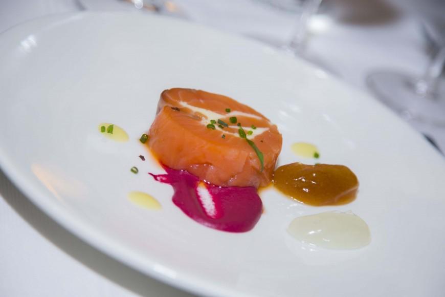 33 Salzón de salmón con remolacha, maridado con García Viadero 2015