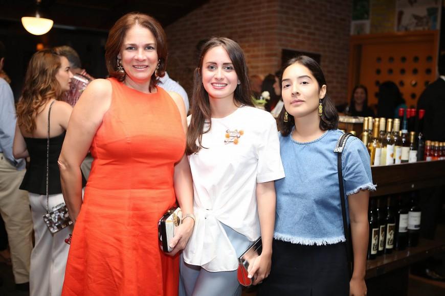 2 Rosa Amelia Varona, Mónica Varela y Laura Montás