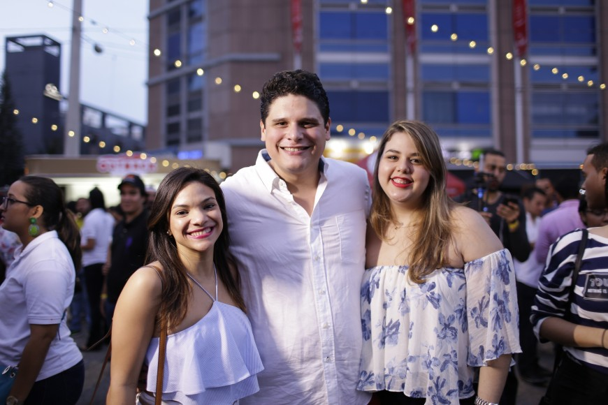 3 Shantall Ramirez, Jean Villanueva y Gabriela García