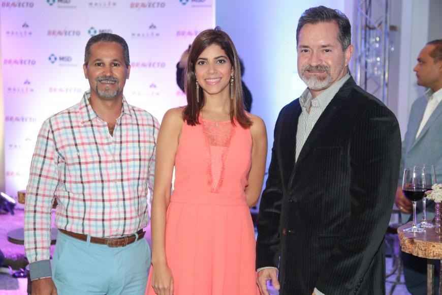 4 César Torres, María Logroño y Ariel Crespo_