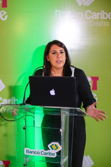 Foto 4 - Helen Villar, 2do. VP de negocio de tarjetas crédito