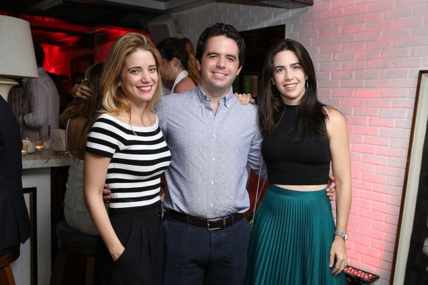 8. Alicia Freites, Angel Garcia y Mariela Garcia