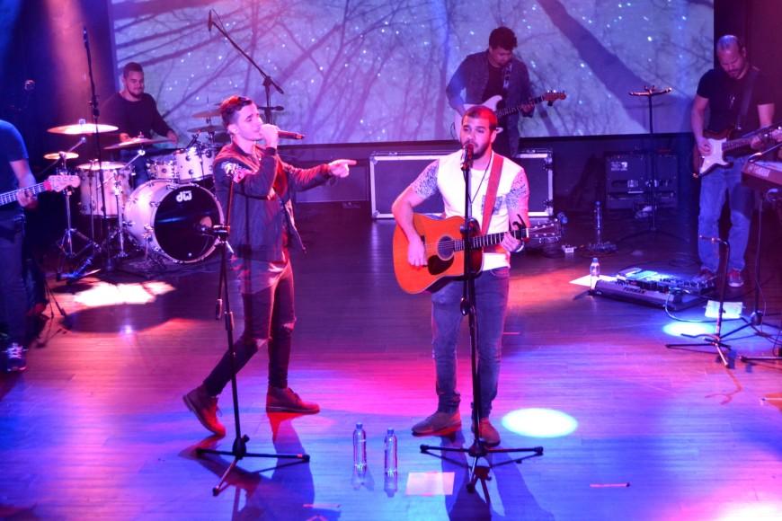 Artistas compartiendo escenario