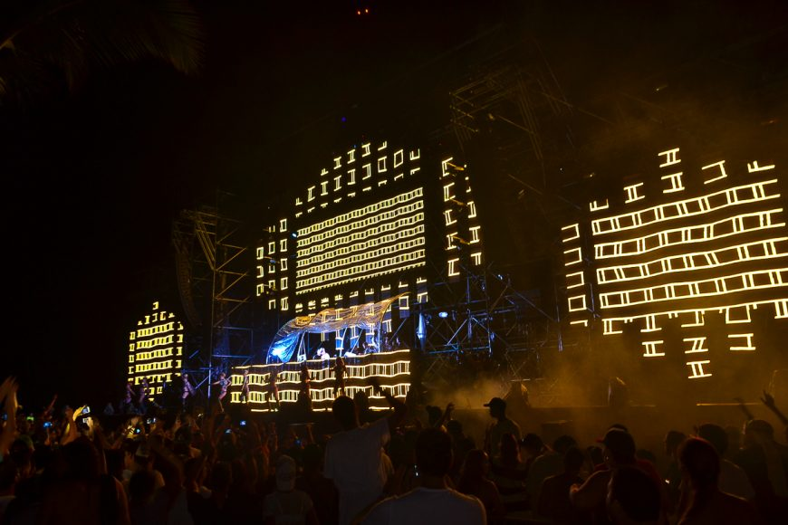 electric-paradise-2015-stage-1