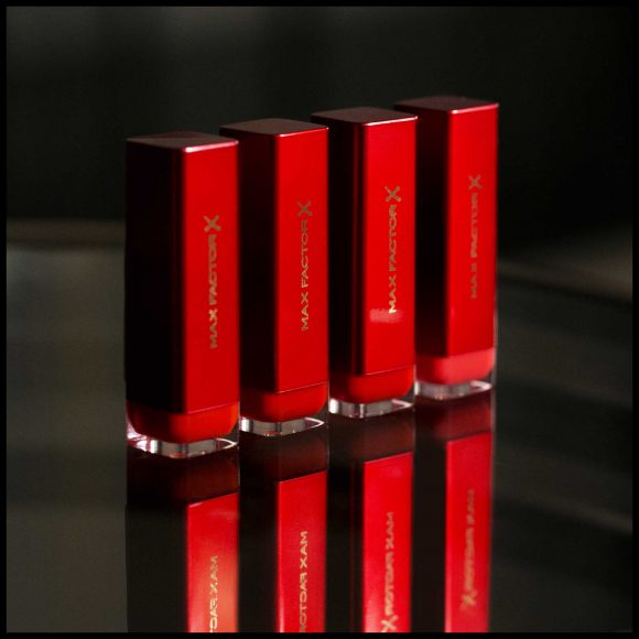 96120101_color_elixir_lipstick_marylin_monroe_sunset_red_6
