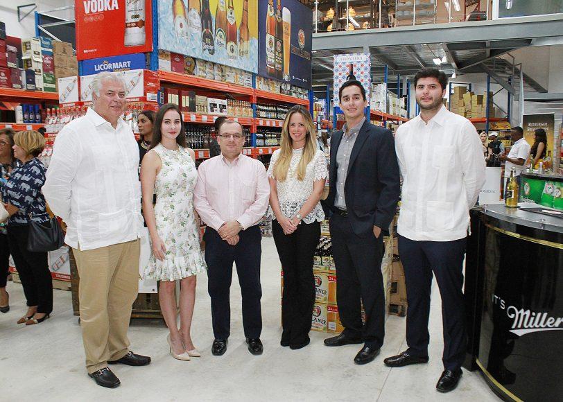 01 PRINCIPAL José Carballo, Belisa Tapia, Cesar Tapia, Maria Giudicelli, Víctor Báez, José Carballo (hijo).