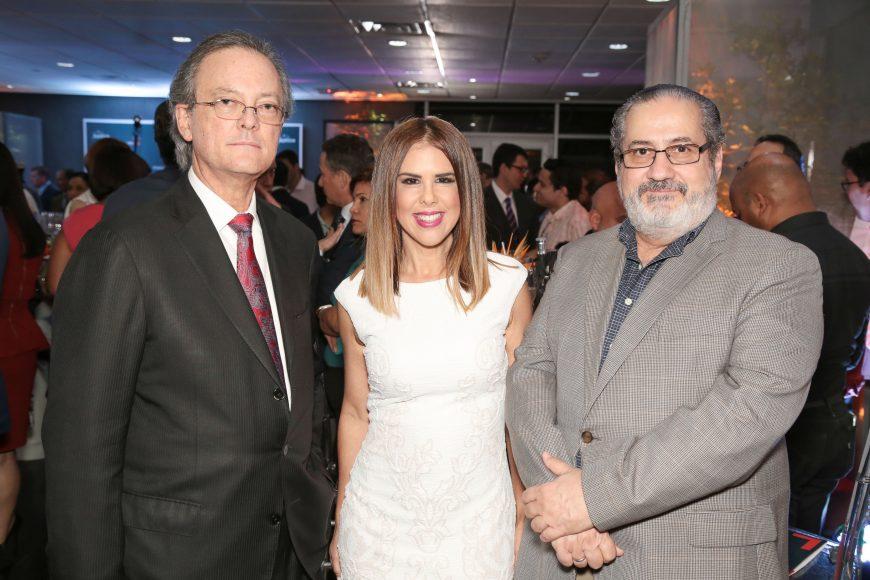 2 Manuel Grullon, Ingrid Gomez y Teo Veras