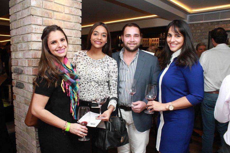5 Shantal Espinal, Clarissa Terrero, John Paul Garrido y Shaula Montas JPG