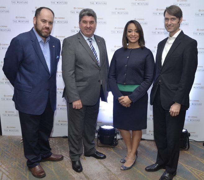 Juan Carlos González, Chris Campbell, Roselyn O'Neil y Pablo Ignacio García Foto Principal