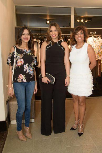 12. Vanessa Santelise, Lia Montas y Ana Josefina Gonzalez