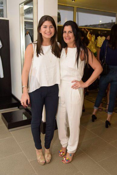 2. Julia Selman y Karina Rizek de Selman