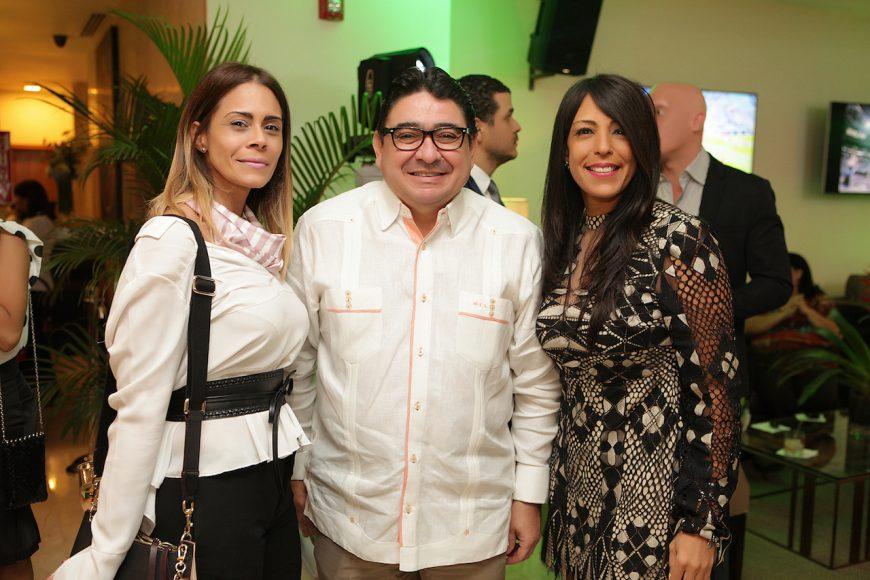 6 - Glennys Santana, Miguel Calzada y Gina Eli