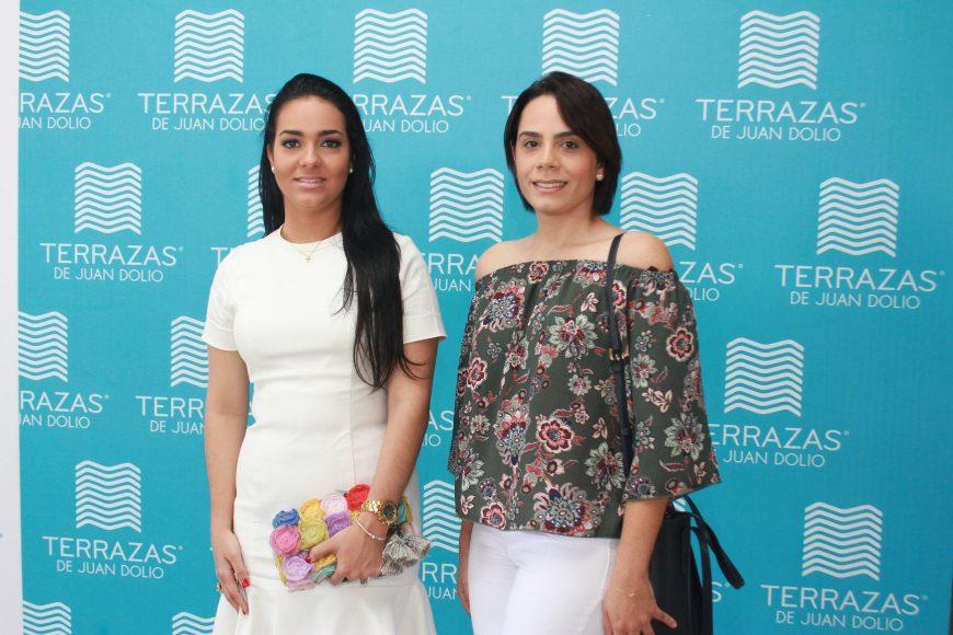8 -- Lilian Ruiz y Angely Mercado