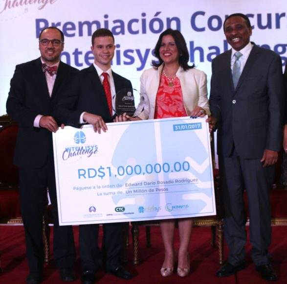 Christian Corsino, Edwuard Rosario, Margarita Cedeño y Claudio Doñé