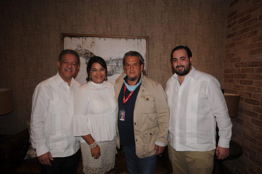 Presidente Fernández, Yvette Marichal, Juan Basanta y Azor Hazoury