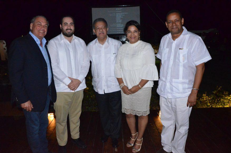 Ricardo Hazoury, Azor Hazoury, Presidente Fernández, Yvette Marichal, Víctor Dumé