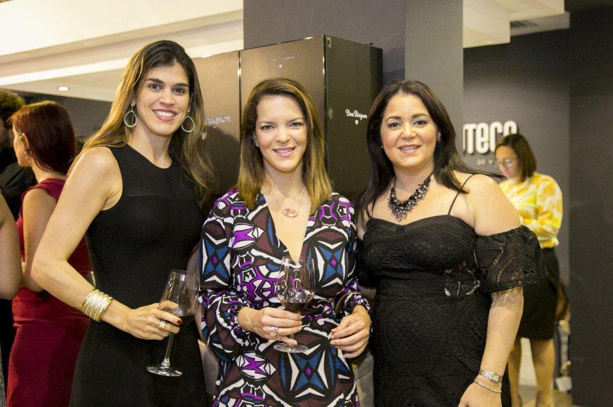 6 Karen Herrera, Jodie Bisonó y Liz Rivas
