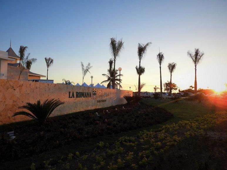 Casa Club y Campo de Golf (1)