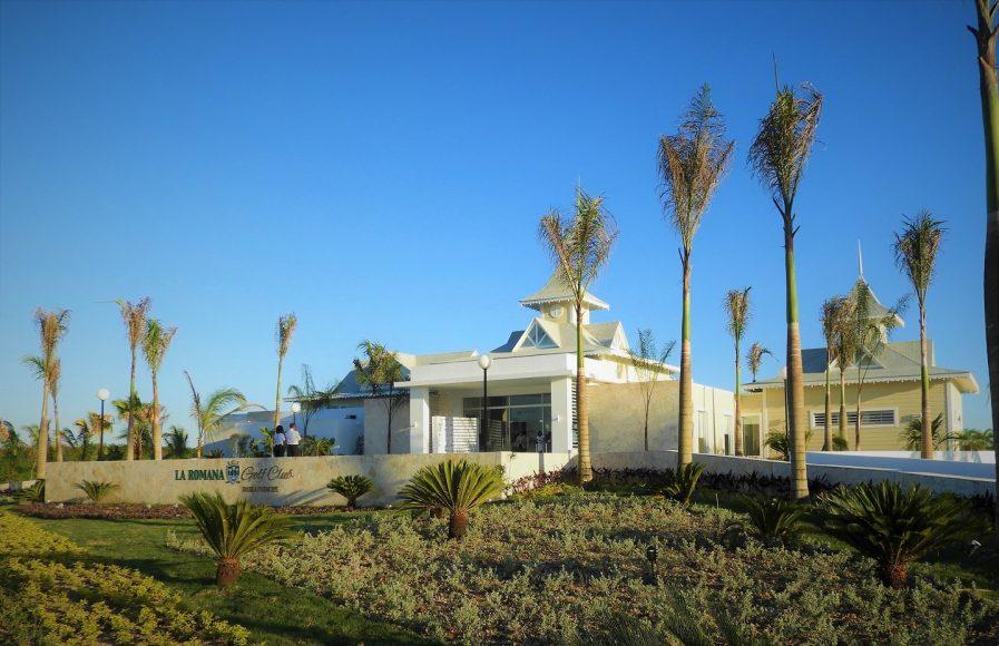 Casa Club y Campo de Golf (2)
