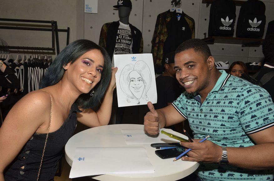 Foto 31 Jari Martínez junto a caricaturita Edgar Valerio
