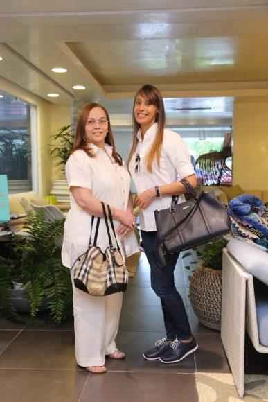 8- Vivian Saladín de Guzmán y Fabiola Arlette García