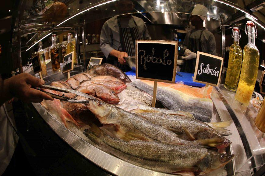 La actividad ofrece una exquisita selección de pescados y frutos del mar (2)