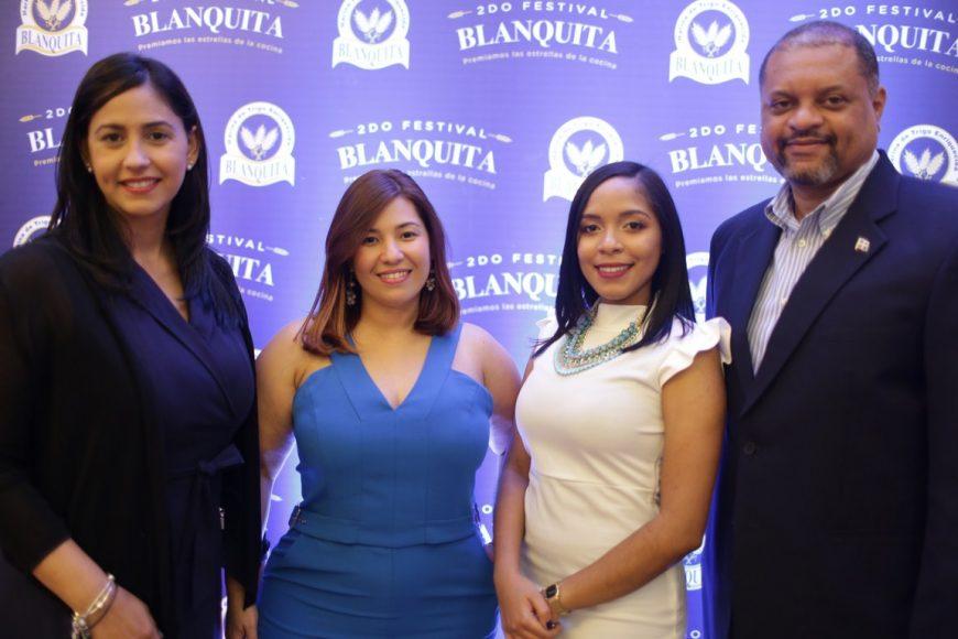 Principal Jenny Gutierrez, Nicole Mejía, Yina Alcántara, Juan Isidro Pérez