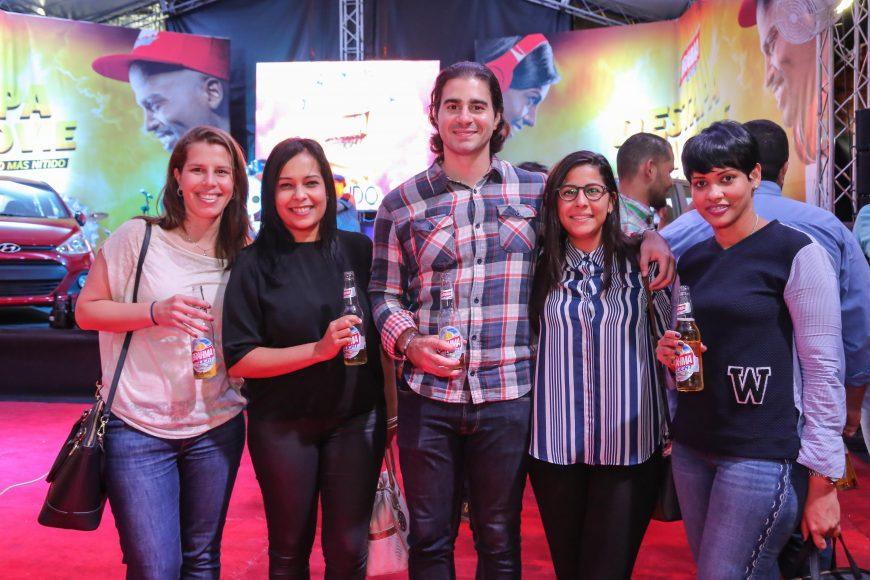 c. Julia Radaeli, Patricia Florentino, Gianfrenco Torino, Carolina Peña y Almeris Alcántara