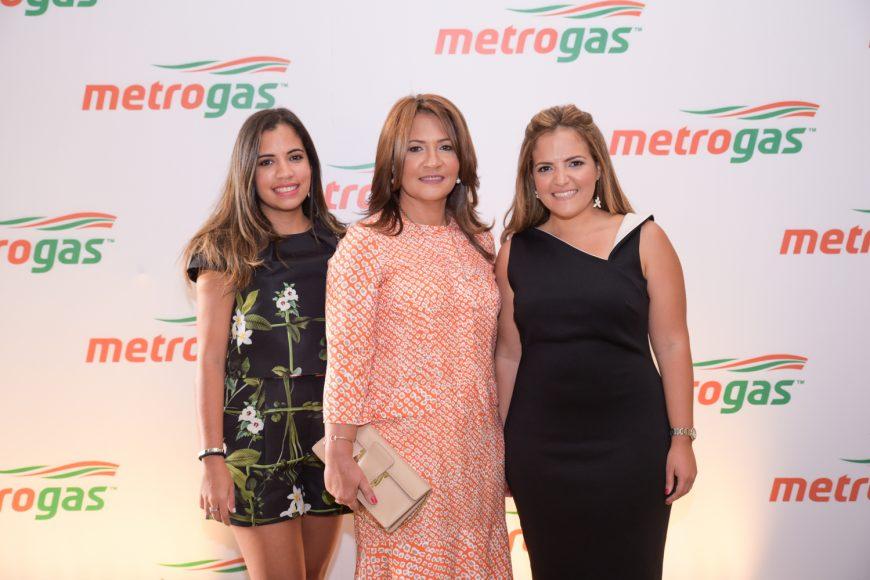 1. Lissette Mejía, Lissette Mejía y Elly Mejía