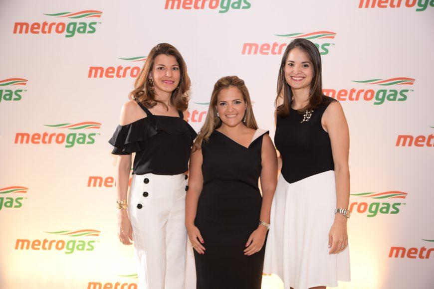 2. Montserrat Casado, Elly Mejía y Reneé Rood