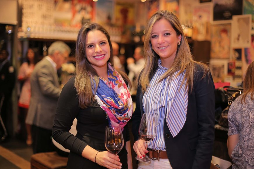 8 Shantal Espinal y Vanessa Mendez