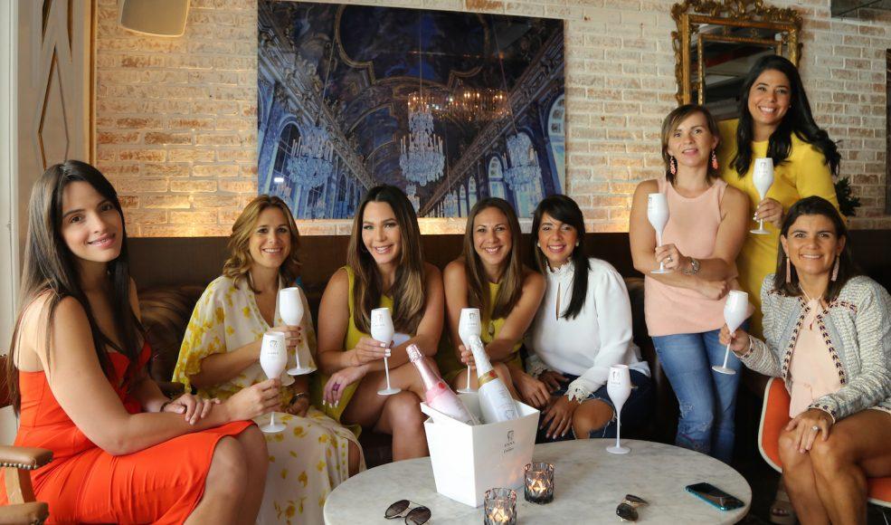 Anna, Vanessa y sus amigas