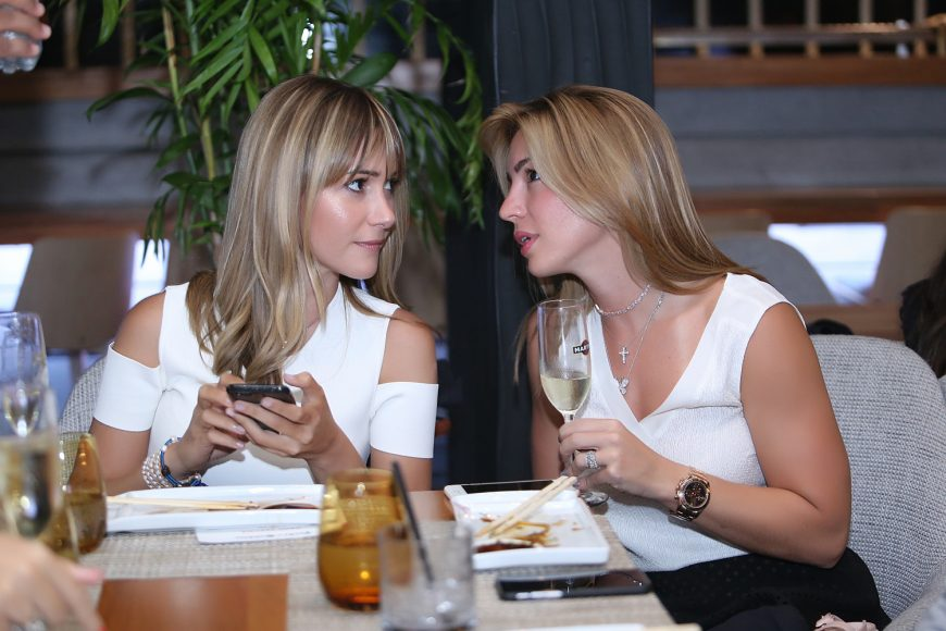 Carolina García y Leonor de Bahsa