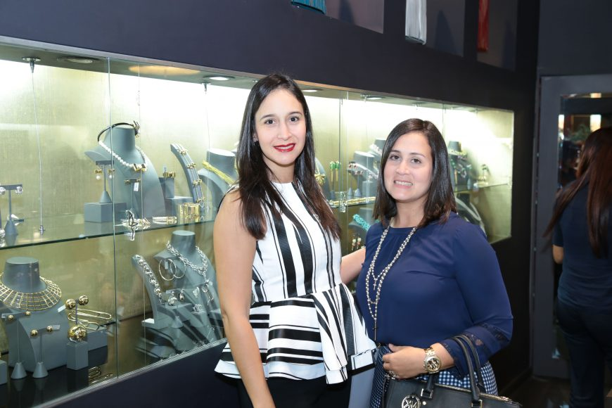 Mariìa Amelia Balbuena y Laura Pimentel