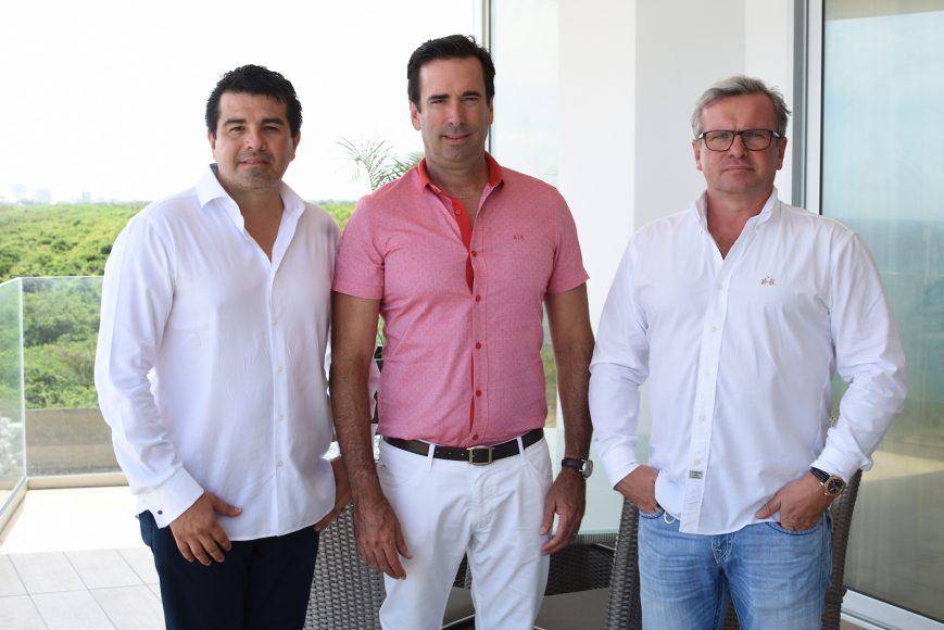 1 Foto principal -Juan Carlos Duque, Steven Ankrom y Vladimir Bulavin