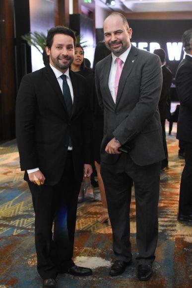 16. Xavier Pineda y Christopher Hamra