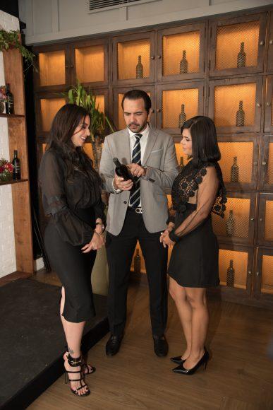 2 Hony Estrella, Miguel Toirac y María Eugenia Hernández