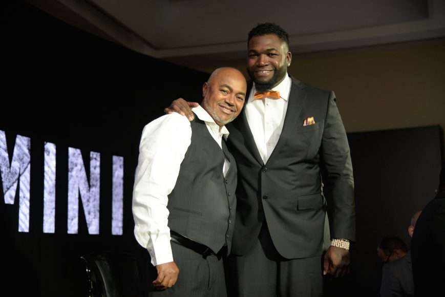 21. David Ortiz junto a su padre, Leo Ortiz